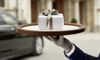 """White glove"" delivery, popular in China, comes to Switzerland"