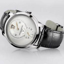 CLASSIMA AUTOMATIC JUMPING HOUR by Baume & Mercier
