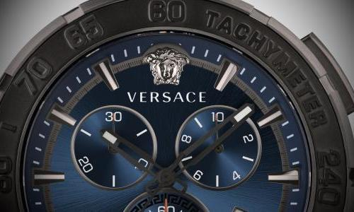 Versace introduces the innovative Greca Chrono Indiglo