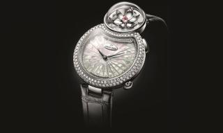 Jaquet Droz blooms with the Lady 8 Flower