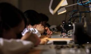 Swiss watchmaking: the workforce has contracted by 3%