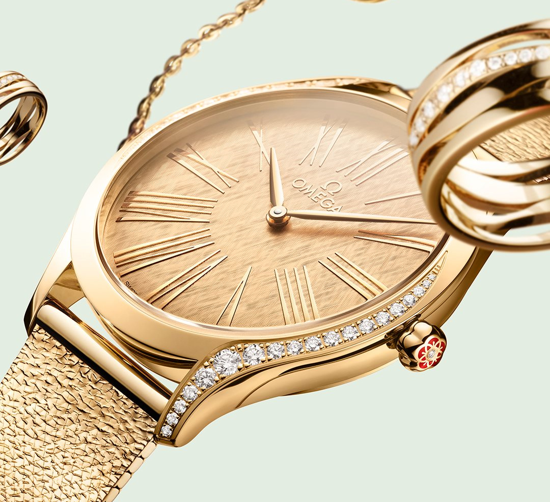 The Omega Trésor comes in gold with a new mesh bracelet