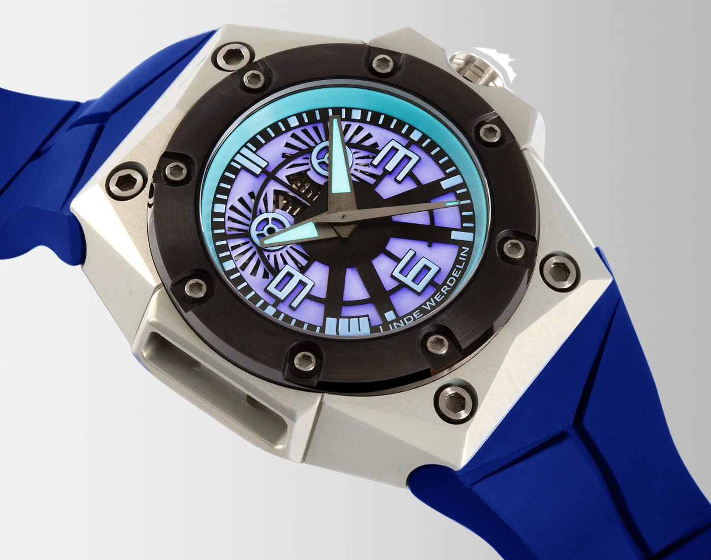 Linde_Werdelin_oktopus_blue_sea_6_-_Europa_Star_watch_magazine_2020