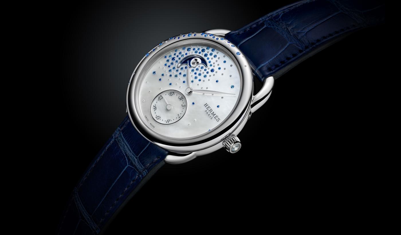 Hermes_arceau_petite_lune_jete_de_diamants_et_saphirs_-_europa_star_watch_magazine_2020