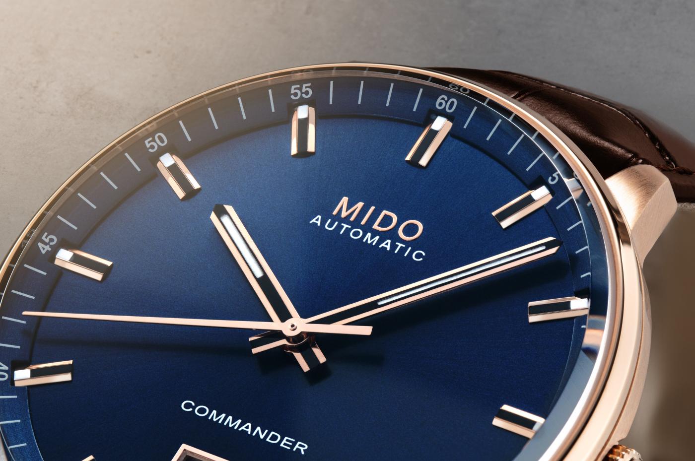mido_commander_big_date_dial-_europa_star_watch_magazine_2021