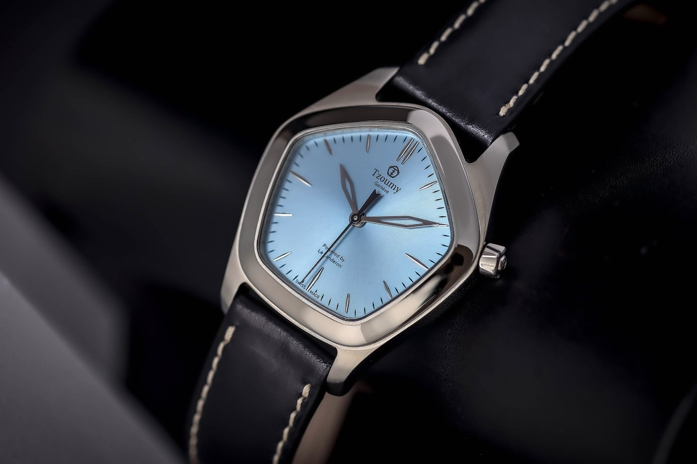 Discover the pentagonal Tzoumy watch collection