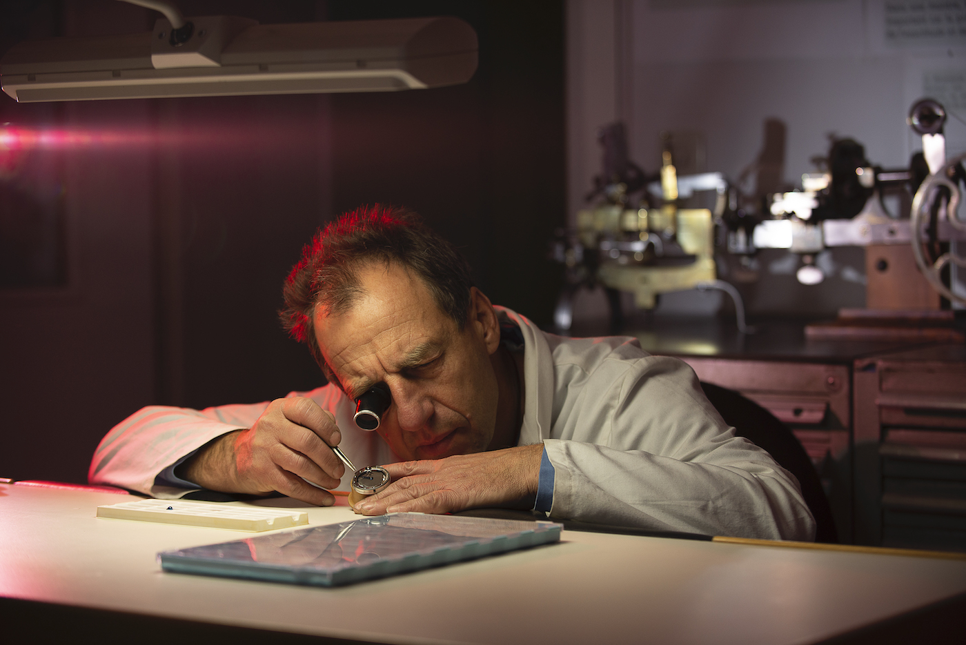 Lives and lessons of master watchmakers