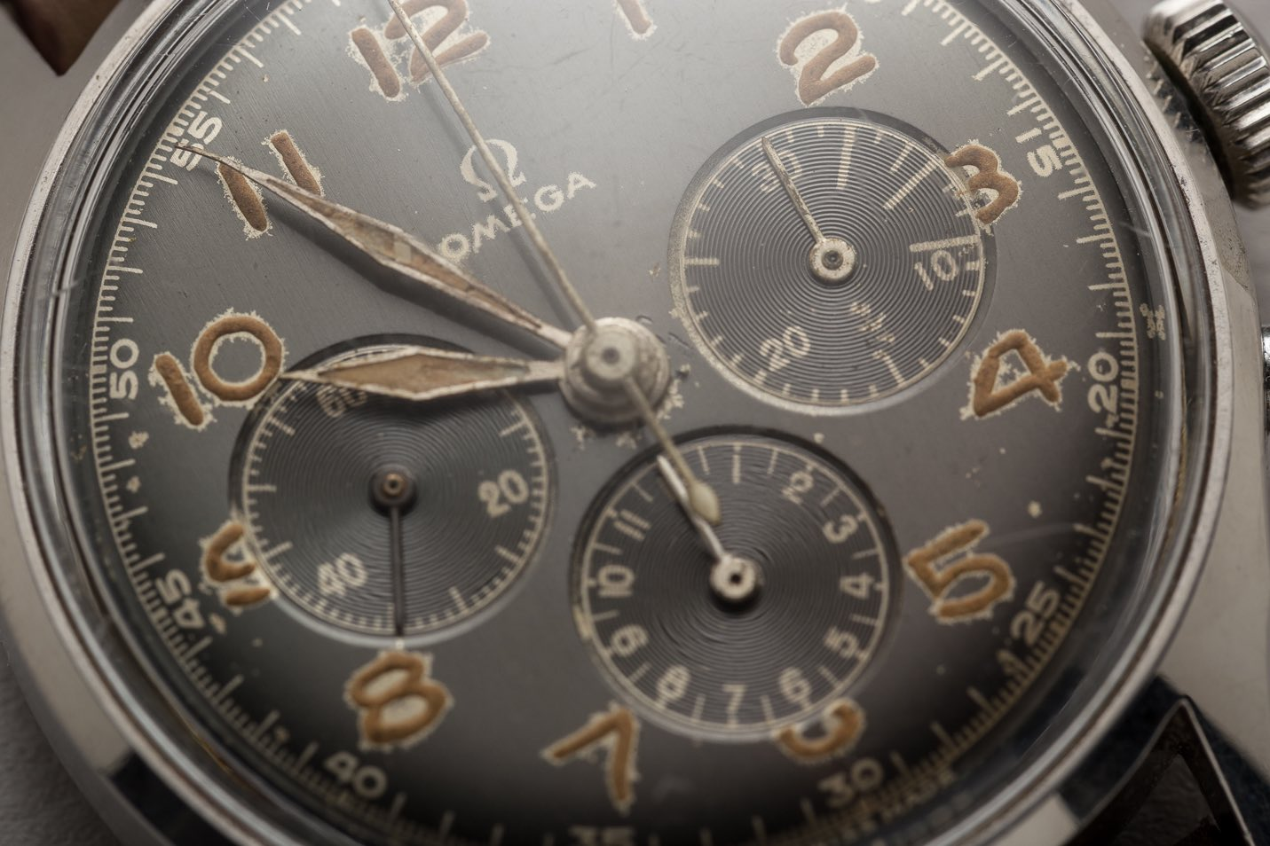Here you can see that the radium on the numerals started to attack the dial
