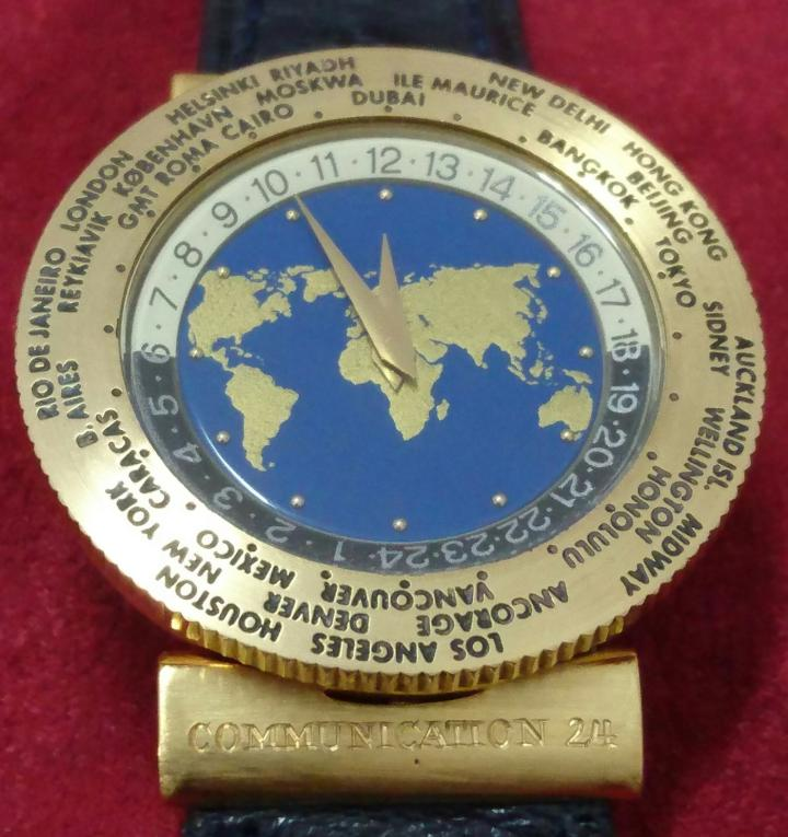 Svend Andersen's first Worldtime watch dates from 1989. Its additional module is 0.9 mm thick, compared to the 1.2 mm thick dial of the models by Louis Cottier, the inspiration. Since then, he has created many more.