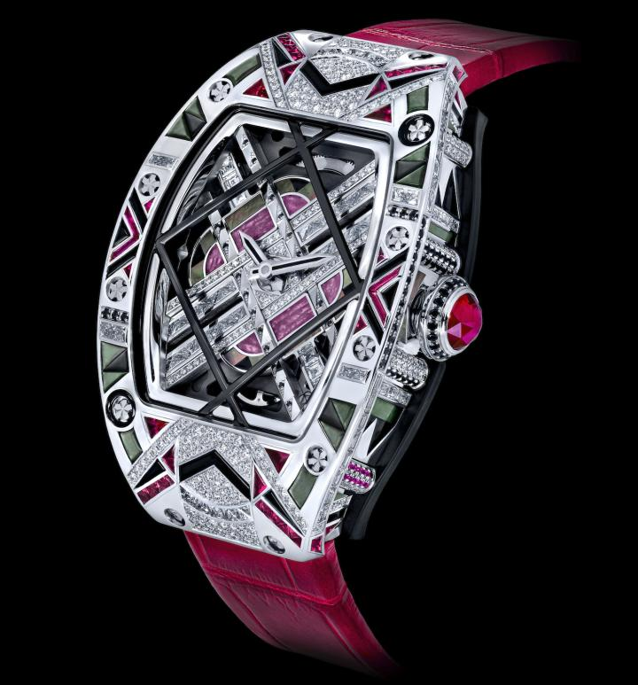 RM HJ-01: a series of four unique pieces with Art Déco motifs and set with more than 800 stones, the most complex and sophisticated jewellery product created by Richard Mille to date.