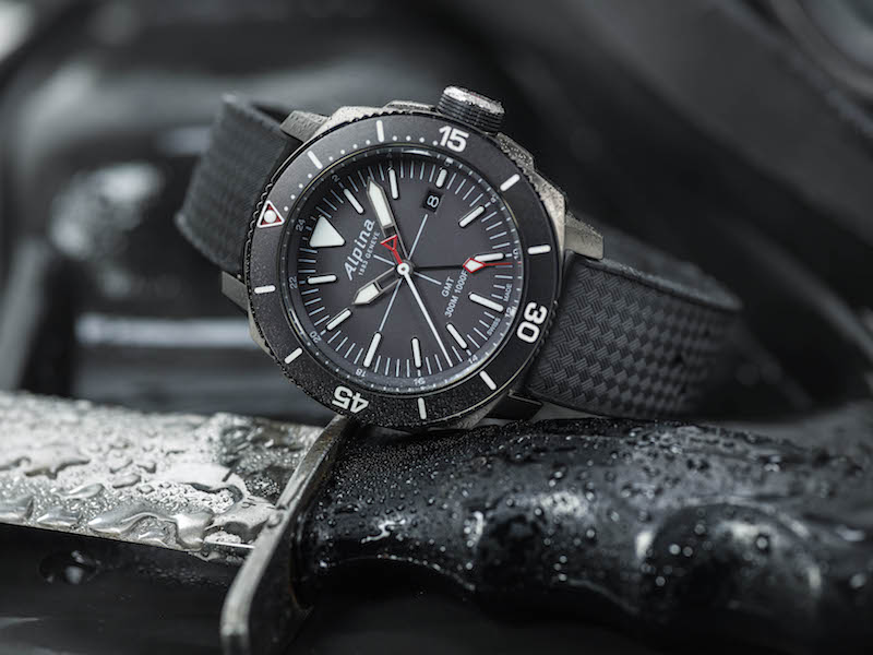 A closer look at the Alpina Seastrong Diver GMT